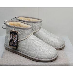 Lamo Sneakskin boots